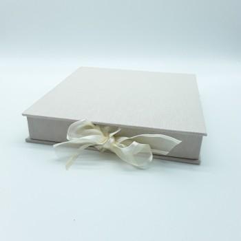 Boîte pour photos et clé USB
